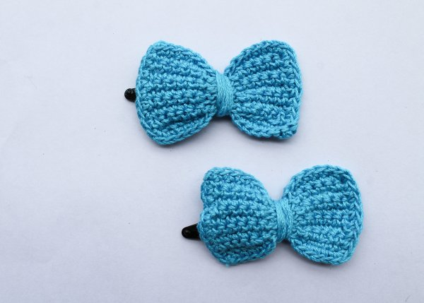 Handmade Crochet Bow Tic Tac Hair Pins for Girls - Blue | Woonie
