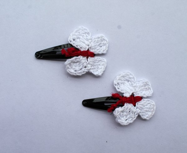 Handmade Crochet Butterfly Tic Tac Hair Pins for Girls - White | Woonie