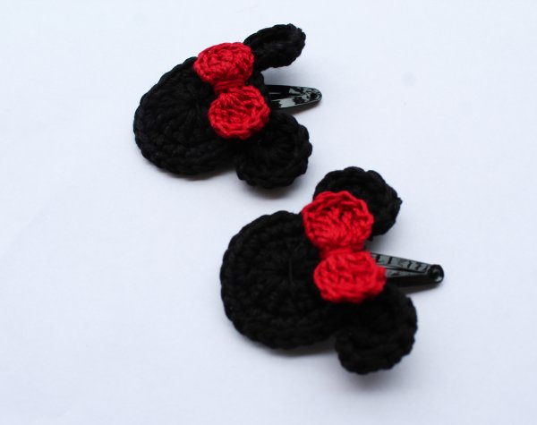 Handmade Crochet Red Bow Tic Tac Hair Pins for Girls - Black | Woonie