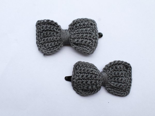 Handmade Crochet Bow Tic Tac Hair Pins for Girls - Grey | Woonie