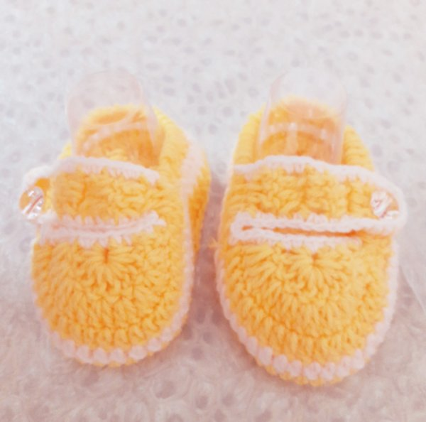 Woonie Handmade Yellow Booties