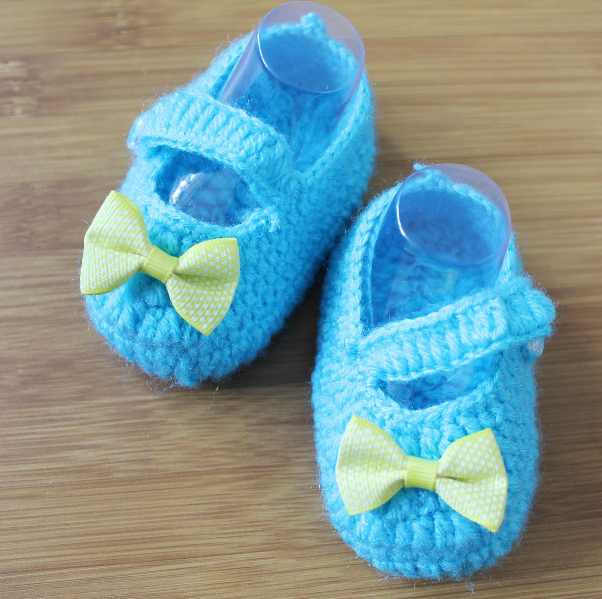 Woonie Handmade Blue Booties with Yellow Bow