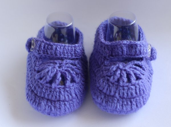 Woonie Purple Handmade Woolen Booties