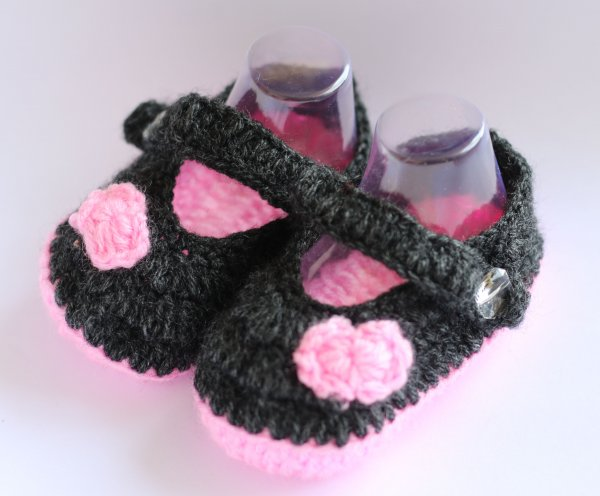 Woonie Grey and Pink Handmade Woolen Booties