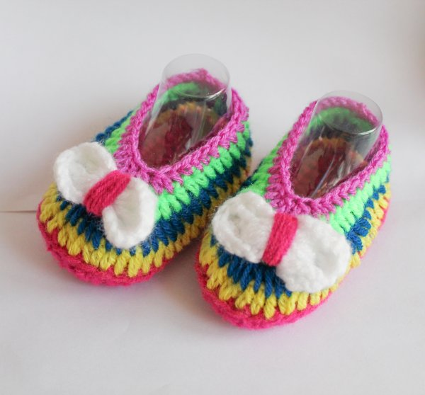Woonie Multicolored Handmade Woolen Booties for Kids