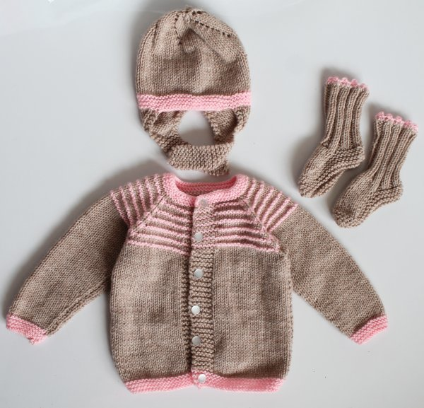 Woonie Handmade Beige Knitted  Sweater with Matching Cap and Booties for Kids