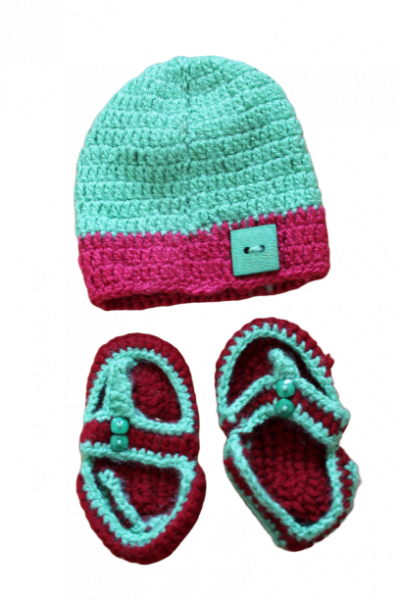 Green Cap with Woolen Sandals