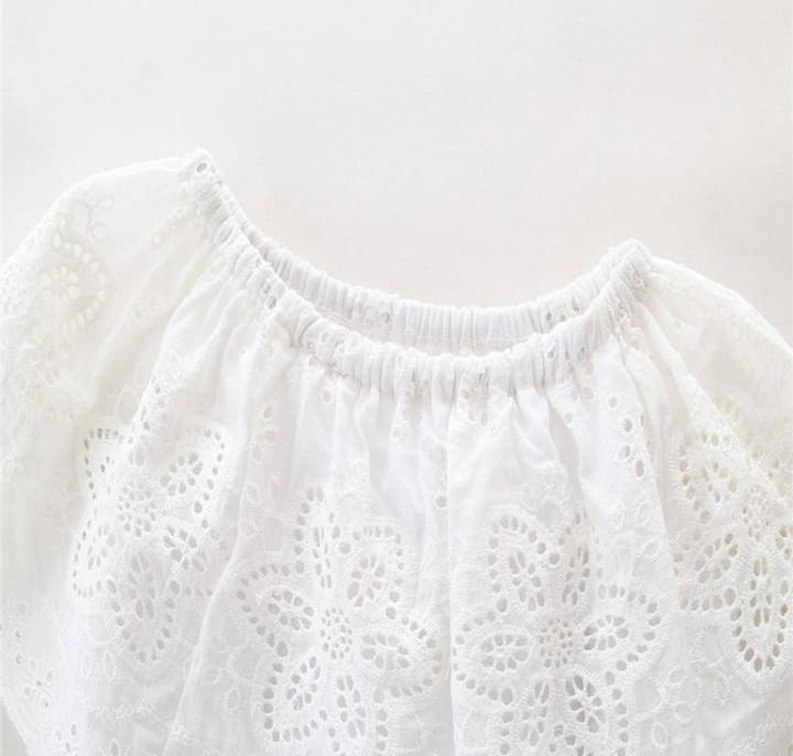 Pretty White Lace Top With Denim Jeans