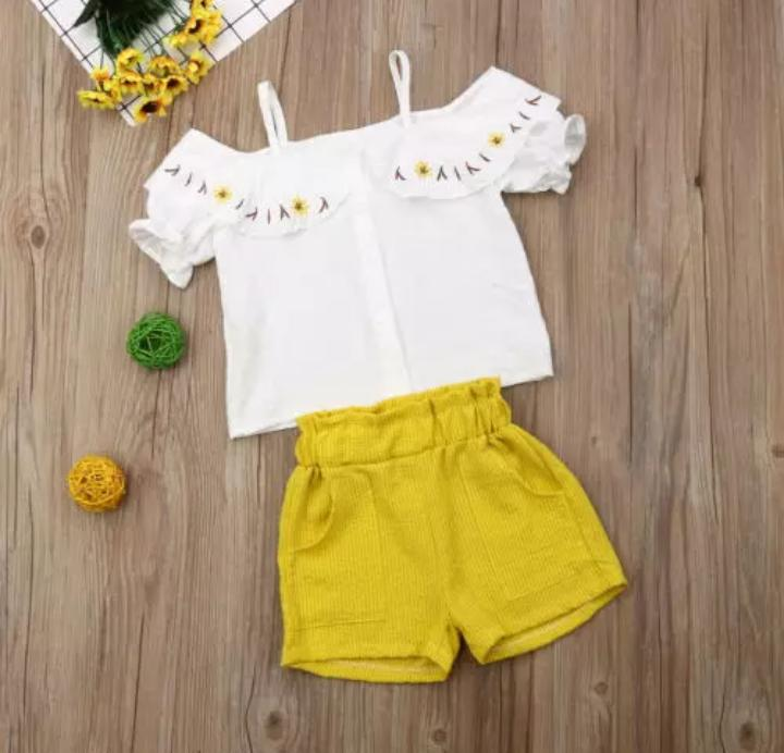 White Top With Lemon Short