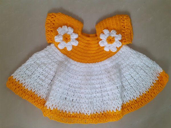 Yellow and White Sleeveless Woolen Frock